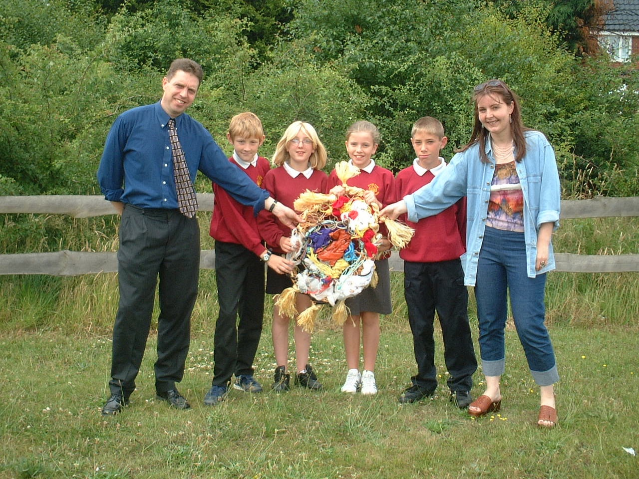 'doorposts', alton park junior school pupils say goodbye to their class piece